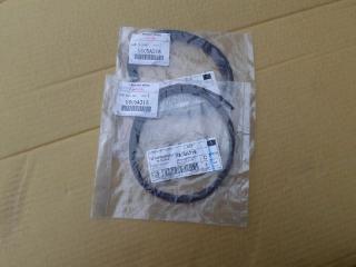 Уплотнительная резинка MITSUBISHI OUTLANDER 3 2012-