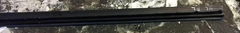 Уплотнительная резинка передняя левая MITSUBISHI OUTLANDER XL 2006 2007 2008 2009