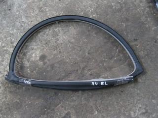 Уплотнительная резинка задняя левая MITSUBISHI PAJERO 4 2006-