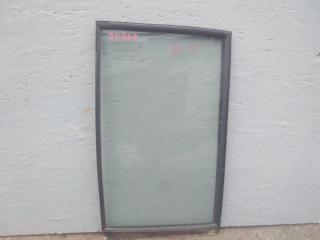 Стекло двери задней заднее левое MITSUBISHI PAJERO 3 2003 2004 2005 2006