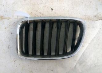 Запчасть решетка радиатора левая BMW X3 2010-2014