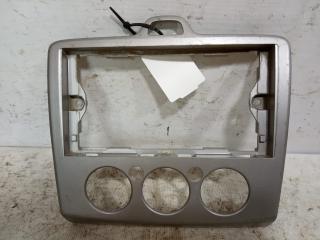 Запчасть рамка магнитолы Ford Focus 2 2004-2008