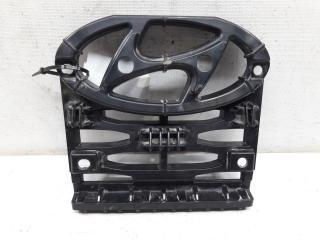 Запчасть кронштейн решетки радиатора Hyundai Creta 2015-