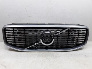 Запчасть решетка радиатора Volvo XC60 2017-