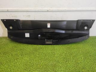 Запчасть накладка замка капота передняя Porsche Cayenne 2014-2018