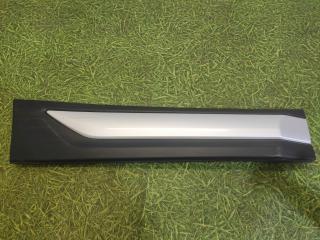 Запчасть накладка задней правой двери задняя правая Mitsubishi Outlander 2012-н.в.