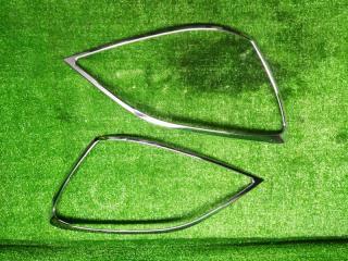 Запчасть накладка на фару передняя LEXUS GX470 2005