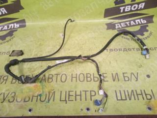 Запчасть коса двери багажника TOYOTA Matrix 2003г.в.
