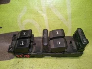 Запчасть блок кнопок стеклоподъемников VOLKSWAGEN Passat B5 1997