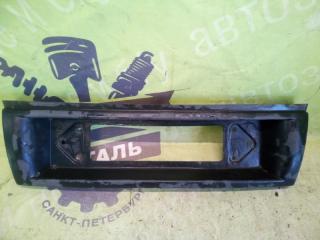 Запчасть накладка крышки багажника ВОЛГА 31105 2008г.в.
