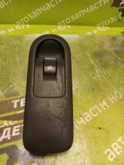 Запчасть кнопка стеклоподъемника передняя правая Renault Megane 2