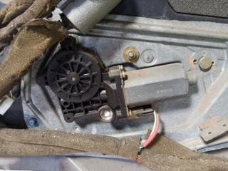 Запчасть стекло подъемник электрический переднее правое VOLVO S70 1997г.в.