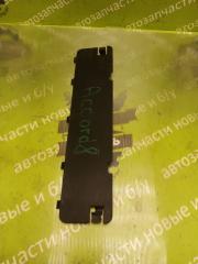 Запчасть накладка торпедо HONDA Accord 8 2008г.в.