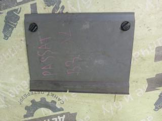 Запчасть накладка декоративная VOLKSWAGEN Passat 1992