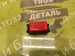 Запчасть кнопка аварийки MERCEDES-BENZ W190 1992г.в.