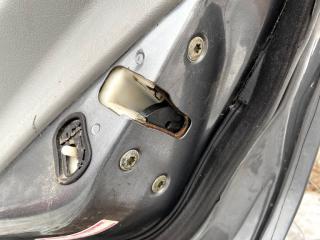 Запчасть замок двери задний правый Mitsubishi Galant 2001