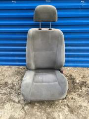 Запчасть сиденье переднее правое Mitsubishi Carisma 1995