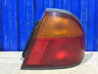 Запчасть фонарь задний правый Mazda Familia 1995