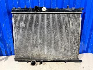 Запчасть радиатор охлаждения Peugeot 307 2004
