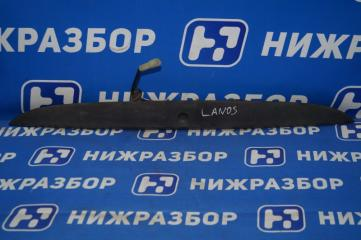Запчасть накладка крышки багажника Chevrolet Lanos 2004-2010