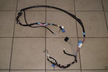 Проводка двери багажника Pontiac Vibe 1.8 (1ZZ) 2003 (б/у)