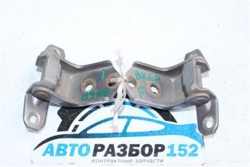 Петли дверные передние левые Mazda 3 2003-2008