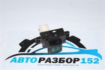 Запчасть кнопка стеклоподъемника передняя левая NISSAN Cube 2002-2005