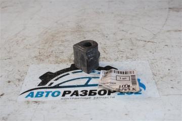 Втулка стабилизатора 2005 V26W 4M40