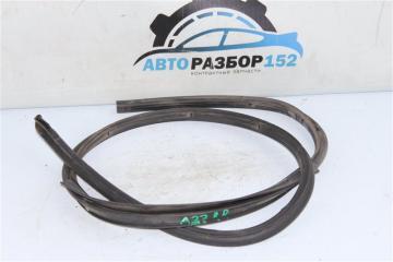 Уплотнительная резинка задняя правая Nissan Cefiro 1998-2003