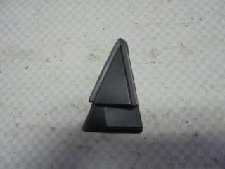 Запчасть накладка крыла задняя правая Nissan Tiida 2008