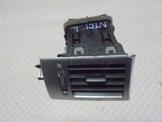 Запчасть дефлектор воздушный левый Nissan Tiida 2008