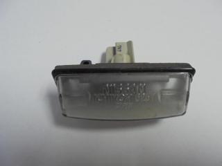 Запчасть фонарь подсветки номера Nissan Tiida 2008