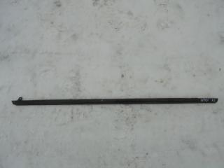 Запчасть уплотнитель стекла двери задний левый Nissan Tiida 2008