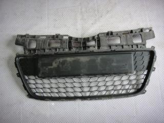 Запчасть решетка в бампер Hyundai i30 2009