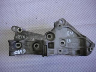 Запчасть кронштейн генератора Renault Megane 2004