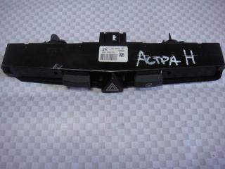 Запчасть блок кнопок Opel Astra 2005