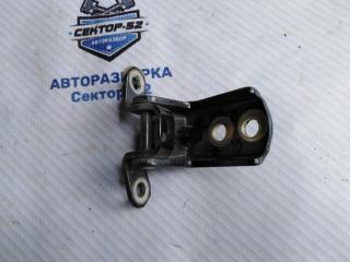 Запчасть петля двери задняя правая Nissan Almera 2004