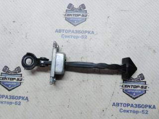 Запчасть ограничитель двери задний Mazda Mazda3 2010
