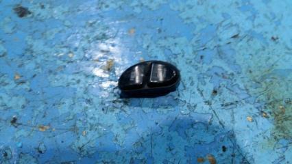 Запчасть кнопка Chrysler Stratus
