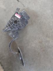 Педаль газа Toyota Hilux 2014