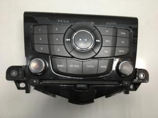 Панель управления магнитолой Chevrolet Cruze 2011