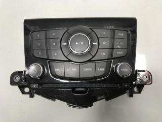 Панель управления магнитолой Chevrolet Cruze 2008