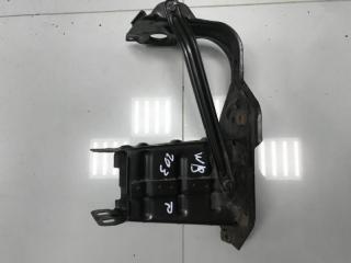 Кронштейн усилителя бампера передний правый Mercedes C class