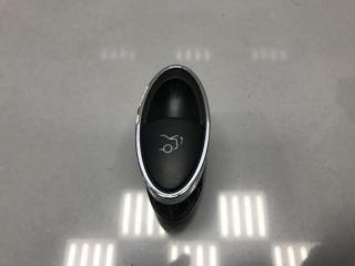 Кнопка открывания багажника Mercedes E class