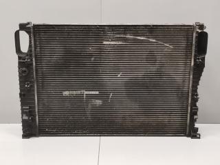 Радиатор охлаждения Mercedes E Class 2009