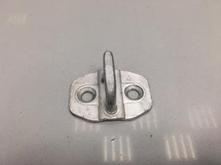 Ответная часть замка двери Mercedes E Class
