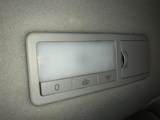 Запчасть плафон салона задний левый Volkswagen Touareg 2008