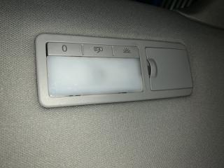 Запчасть плафон салона задний правый Volkswagen Touareg 2008