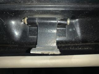 Запчасть петли крышки багажника Subaru Traviq 2001