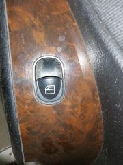 Запчасть кнопка стеклоподъемника передняя правая Mercedes-benz C-Class 2007